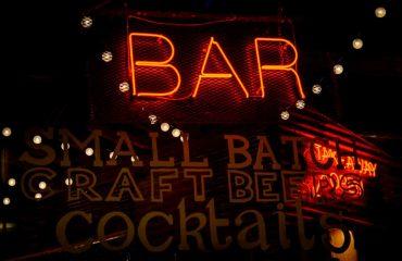 axe throwing bar neon sign